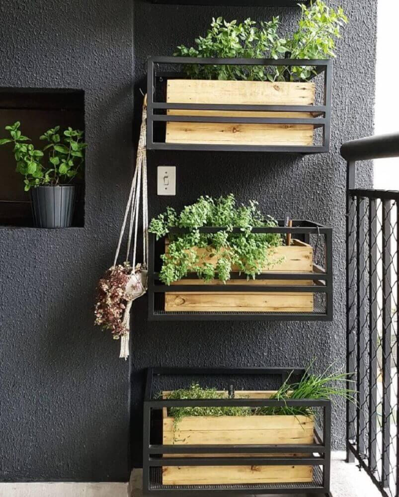 decoração de varanda com horta vertical apartamento