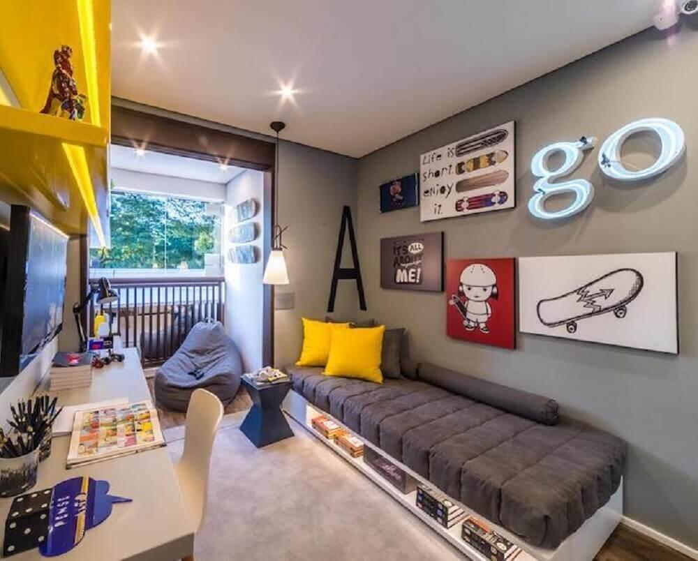 decoração jovem para quarto com cama japonesa de solteiro