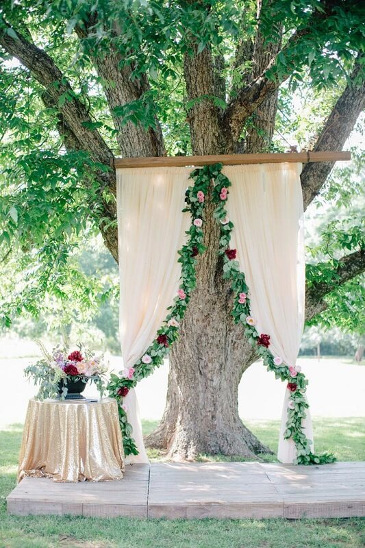 Elegant rustic wedding decoration