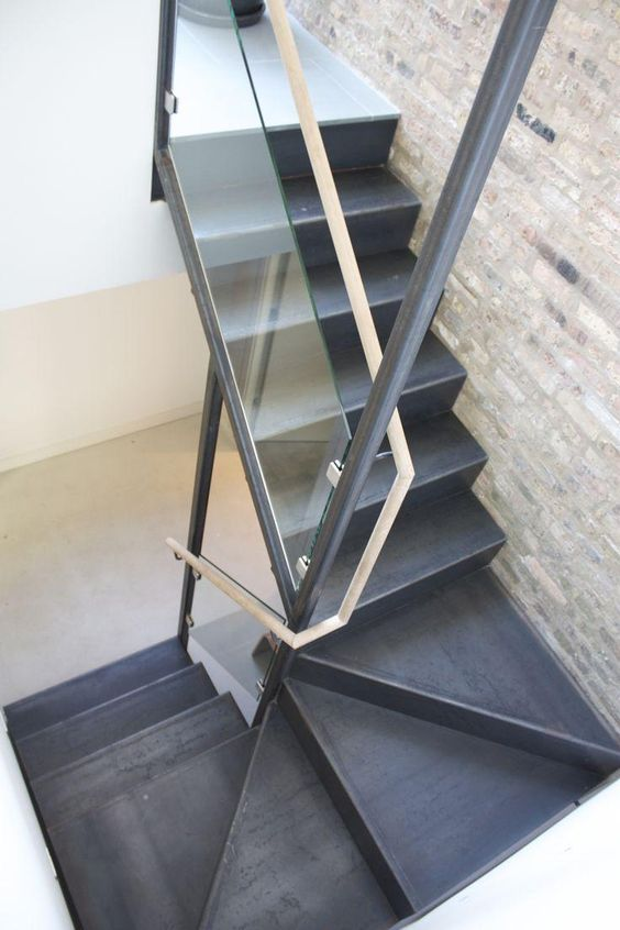 escada de ferro - detalhe de escada de ferro