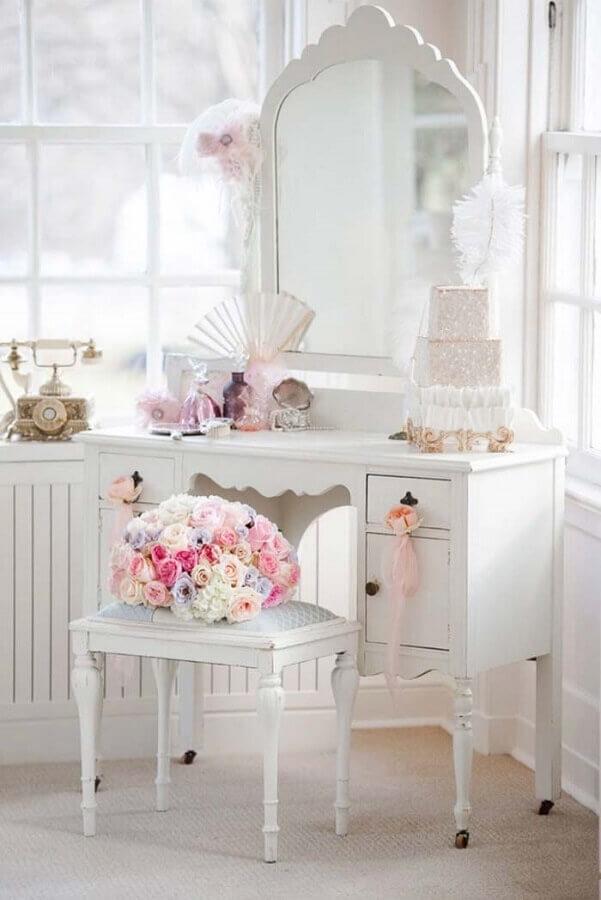 estilo provençal para quarto com decoração romântica