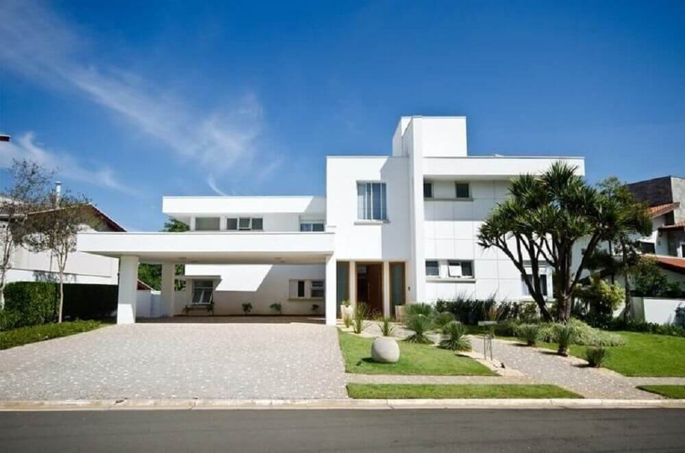 fachada de casa branca