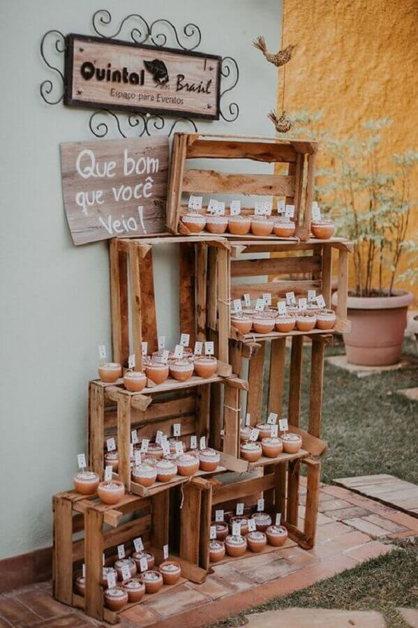 idea of simple and cheap rustic wedding decoration Foto Pinterest