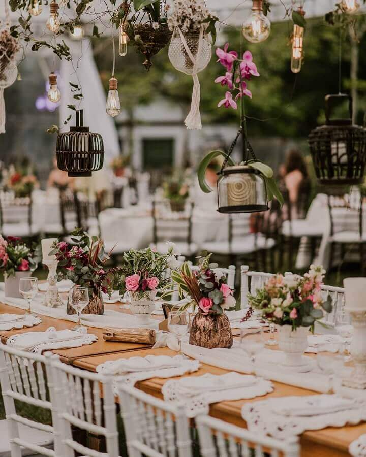 delicate idea for rustic wedding decoration Photo Paula Valentin