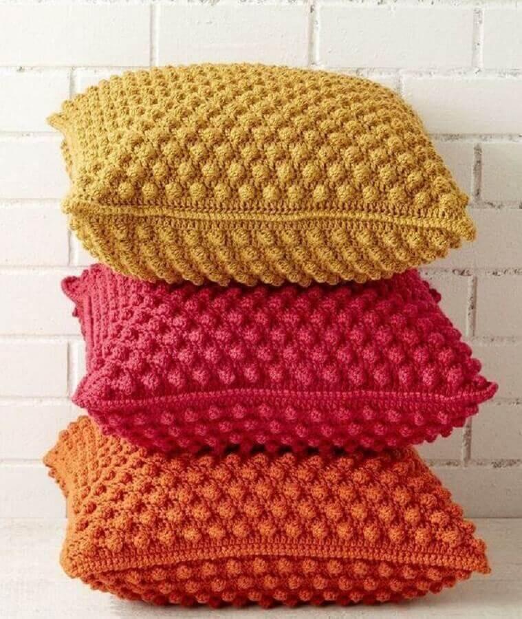 lindas almofadas de crochê coloridas