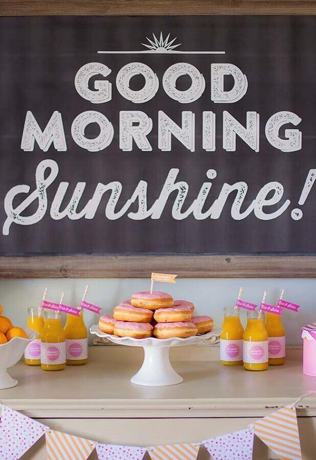 mesa de café da manhã para pós festa do pijama Foto Kara's Party Ideas