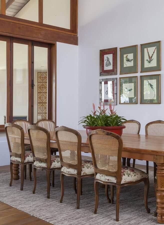 mesa de madeira estilo provençal