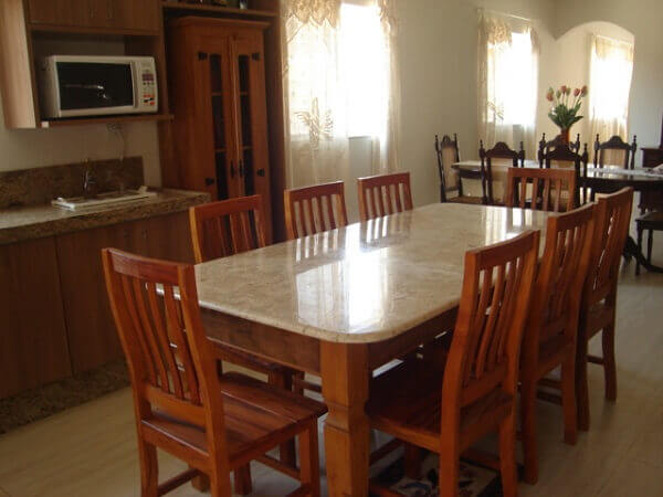 mesa para sala de jantar com granito e madeira