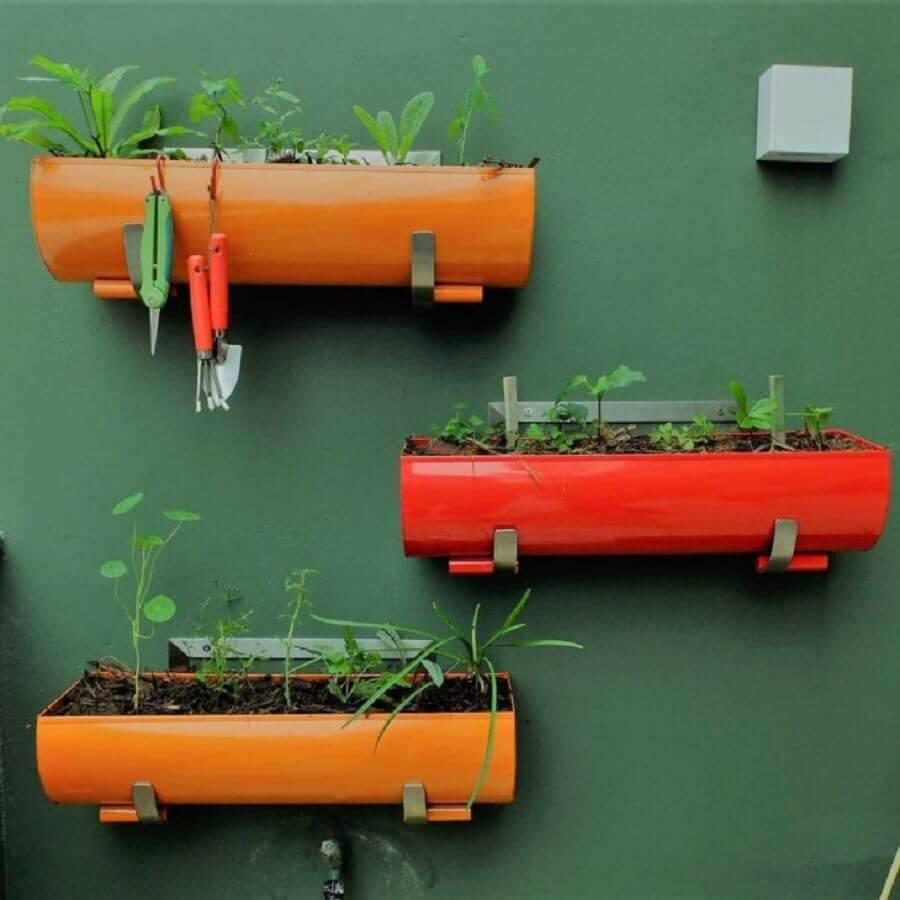 mini horta colorida para apartamento