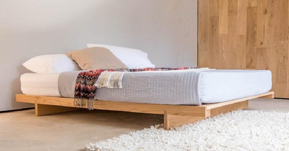 modelo de cama de casal japonesa com pés