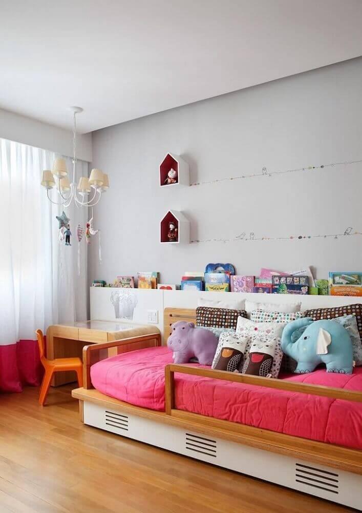 modelo de cama japonesa de solteiro para quarto infantil decorado