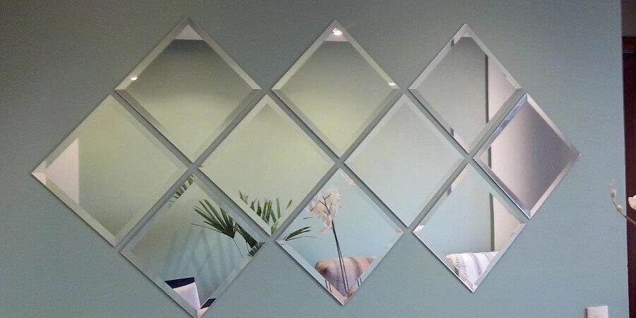 modelo de espelho com bisotê