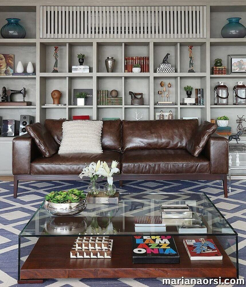 modelo de sofá de couro com design minimalista
