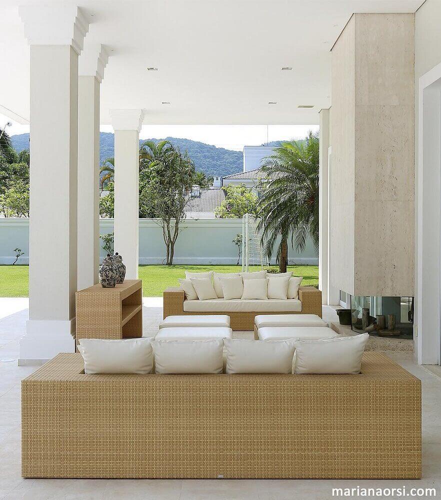 modelo de sofá para varanda com fibra natural