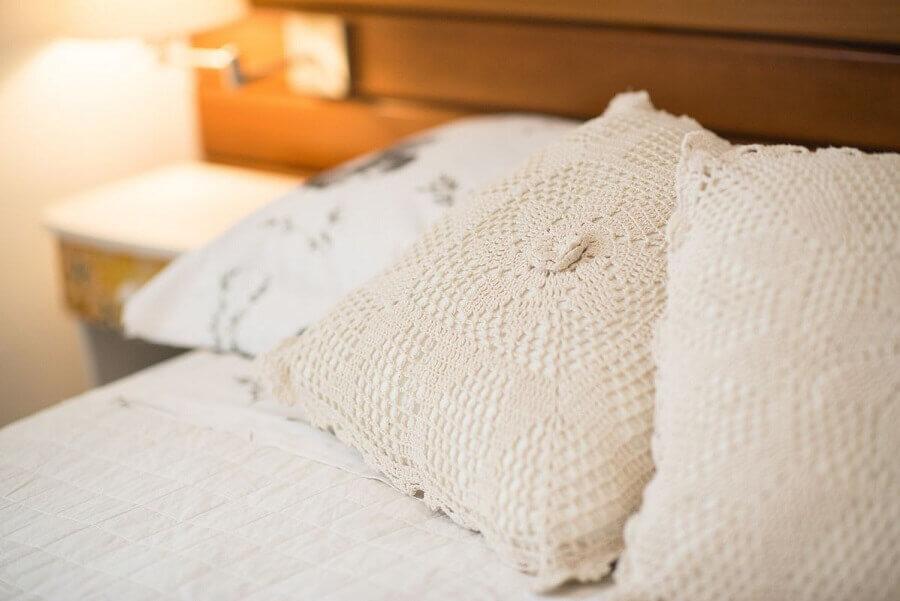 modelo simples de capa de almofada de crochê