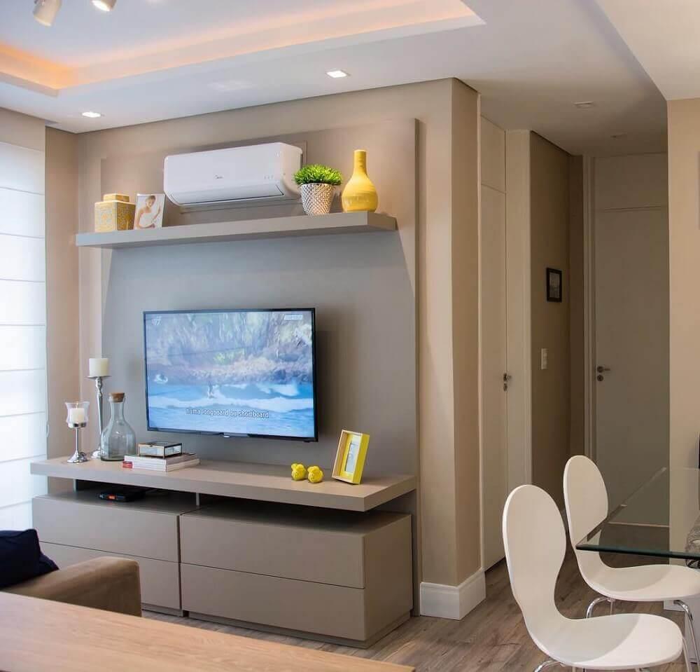 modelo simples painel de TV para sala