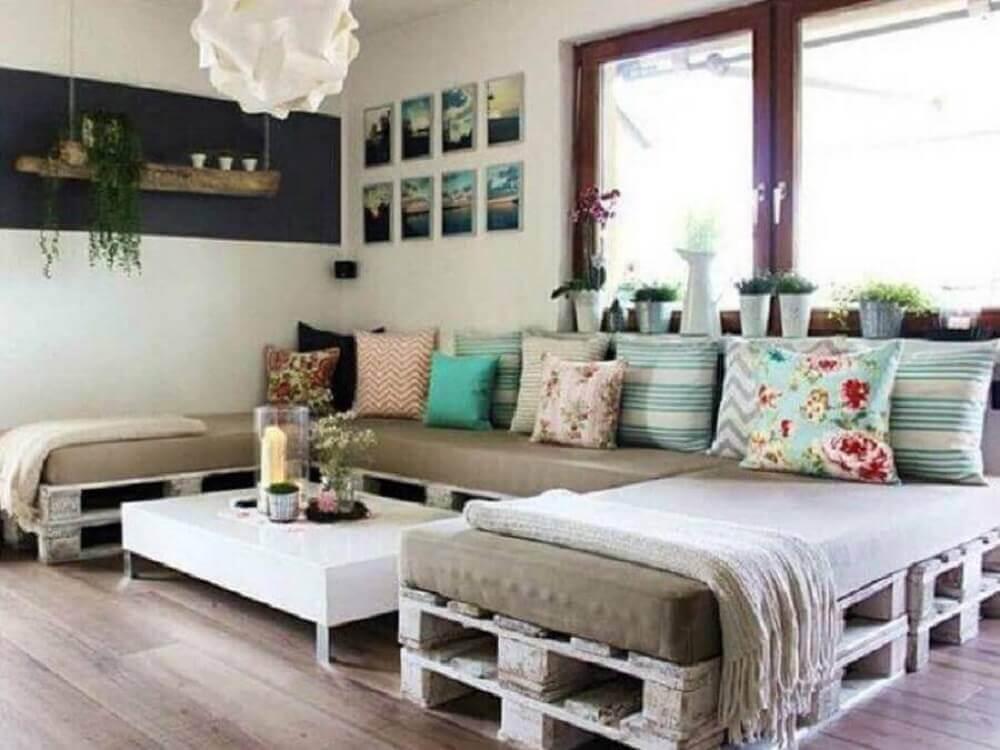 modelos de sofá de pallets para sala