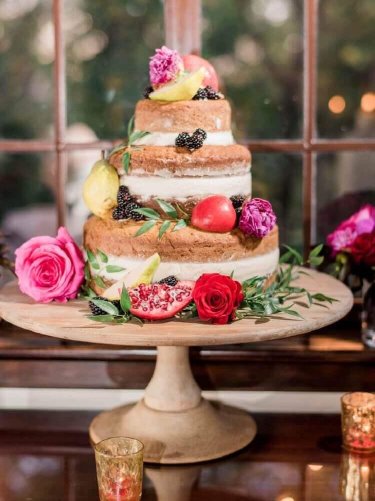 naked cake para casamento simples