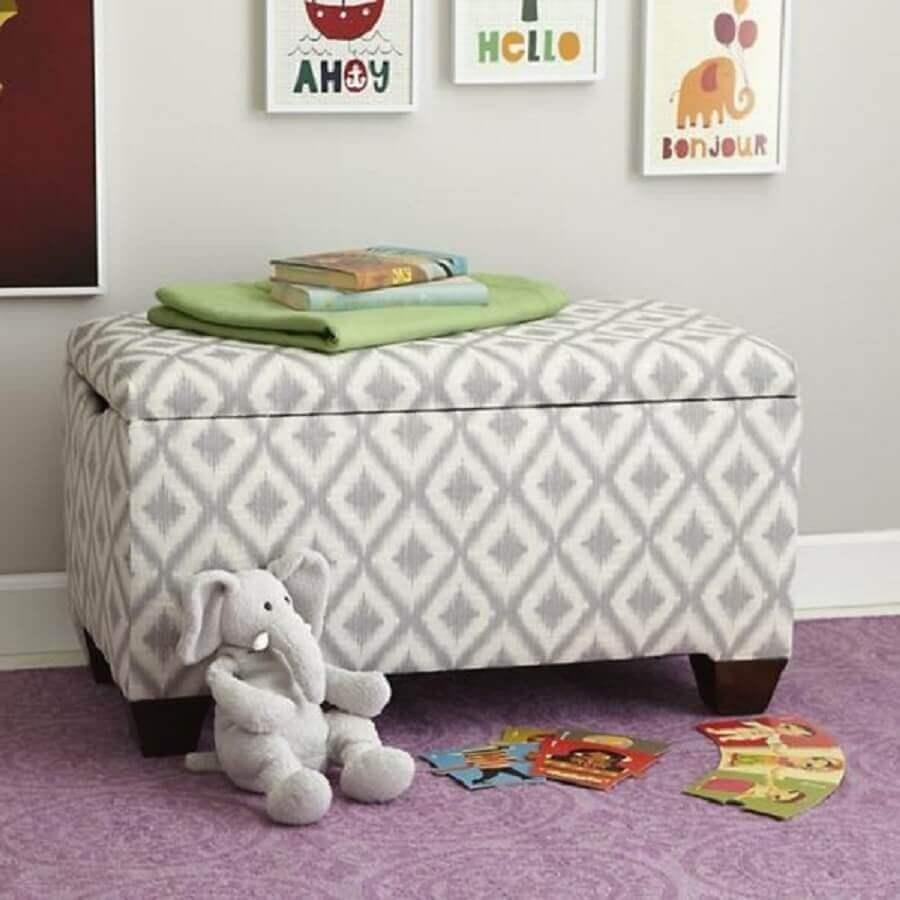 puff baú com estampa neutra para quarto infantil