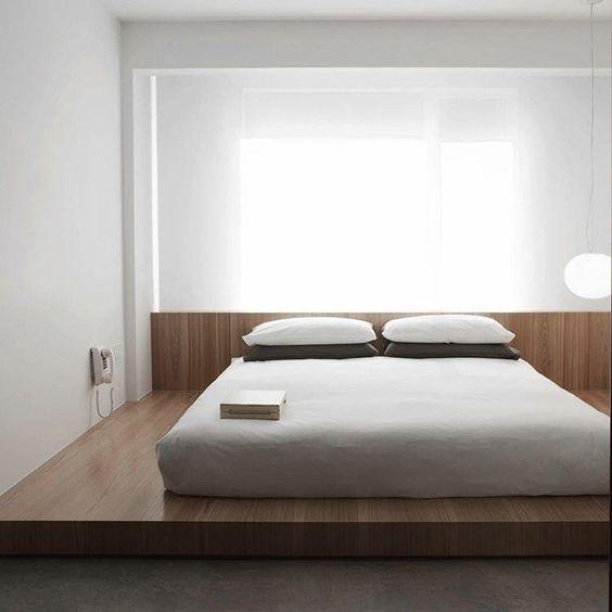 Quarto com cama japonesa