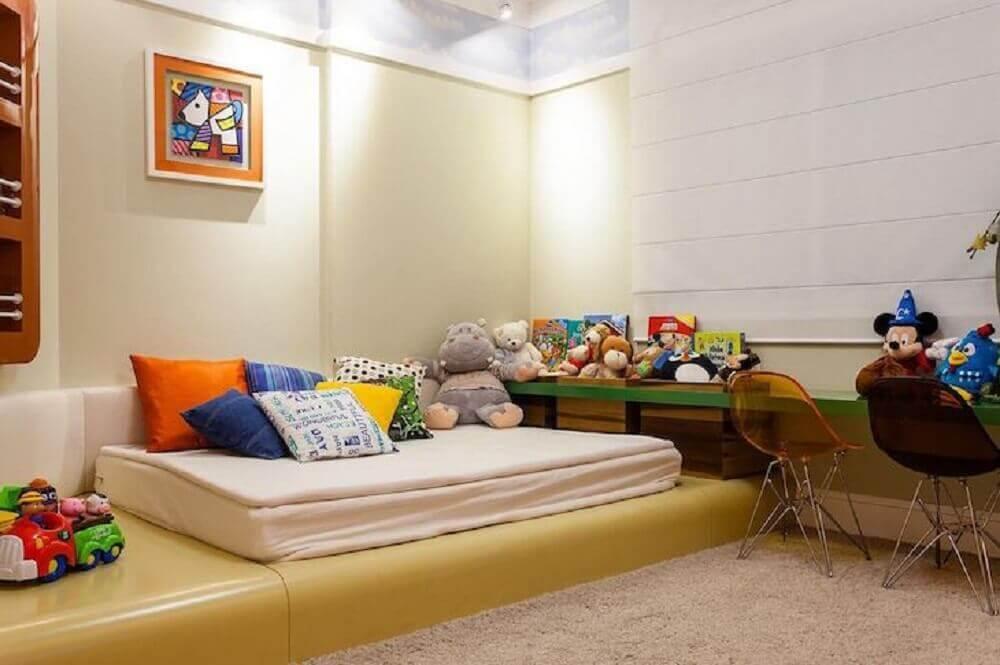 quarto infantil decorado com cama japonesa de solteiro