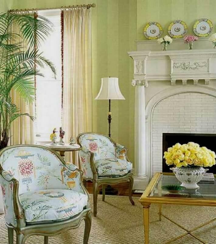sala de estar com móveis estilo provençal
