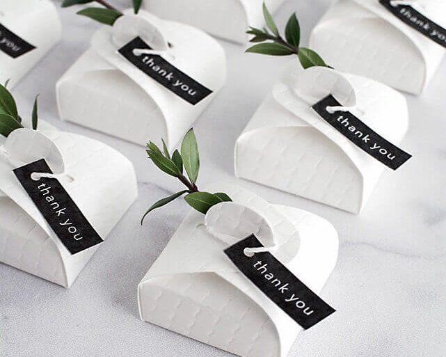 sofisticadas embalagens de bem casado para lembrancinhas de casamento