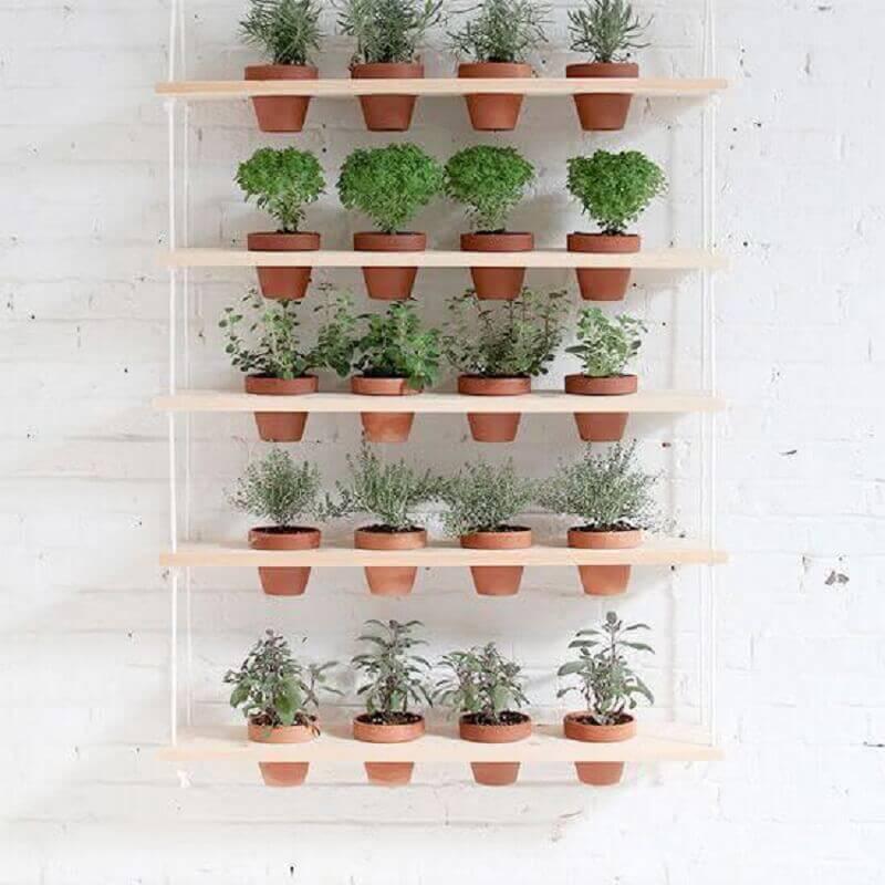 vasos pequenos para horta vertical apartamento