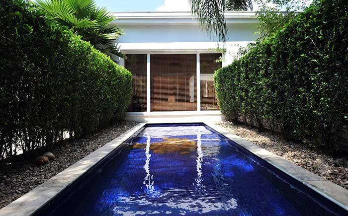 Cerca viva em piscina