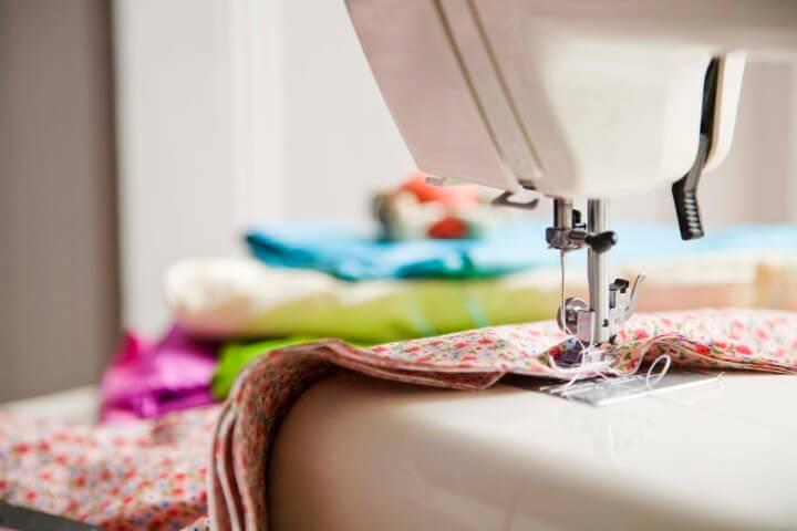Como fazer capa de almofada com máquina de costura