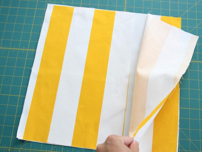Como fazer capa de almofada envelope listrada