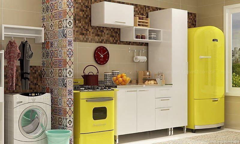 Cozinha com fogão e geladeira colorida amarela Projeto de Lojas KD