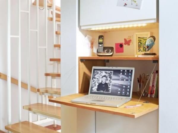 Mesa dobrável com armario