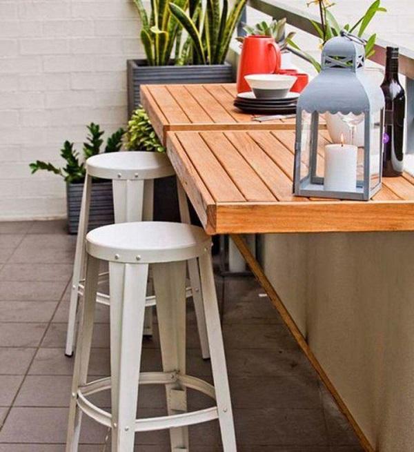 Mesa dobrável de parede feito de madeira