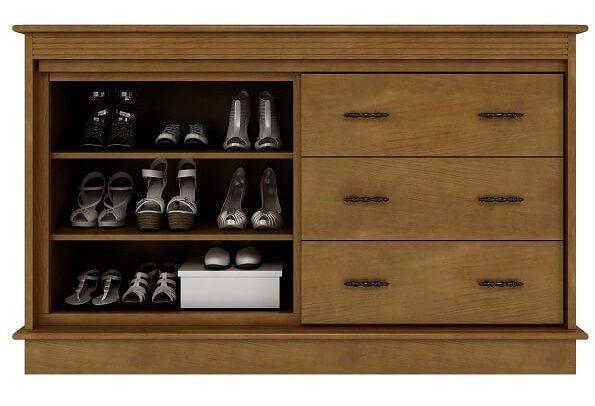 Modelo de sapateira cômoda em madeira