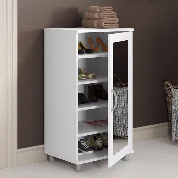 Modelo de sapateira com espelho pequeno