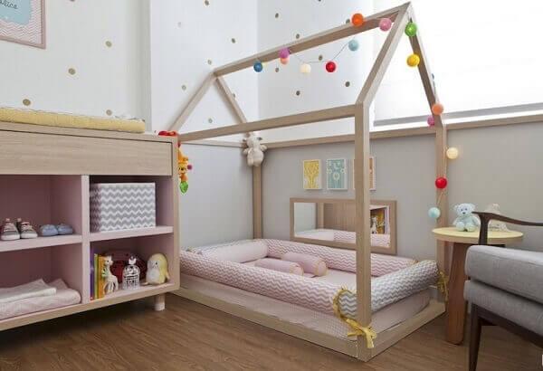 Modelos de berço montessoriano para quarto de menina