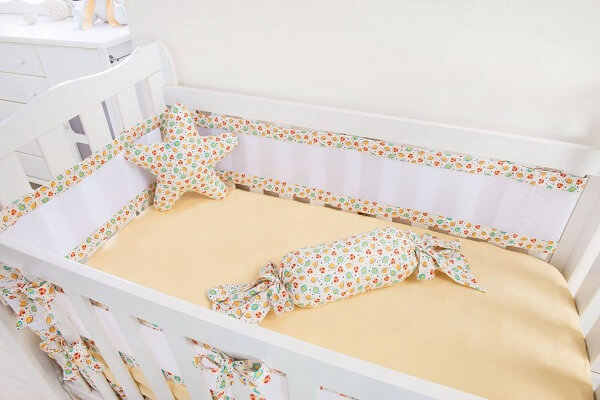 Modelos de berço seguro com travesseiros
