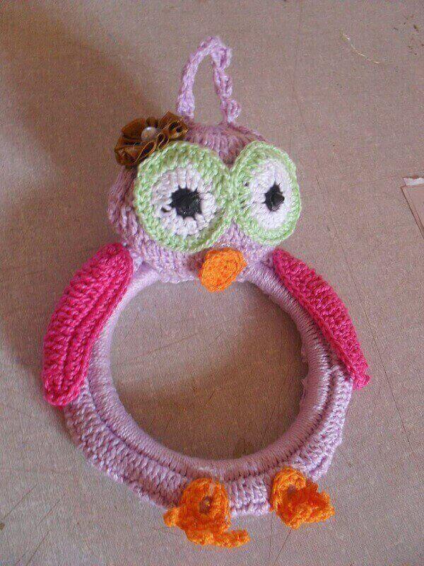 Porta pano de prato de crochê com coruja rosa