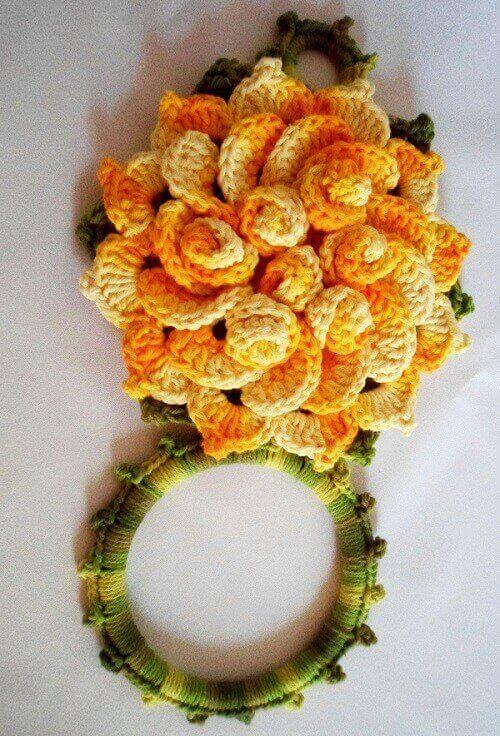 Porta pano de prato de crochê com flores em laranja