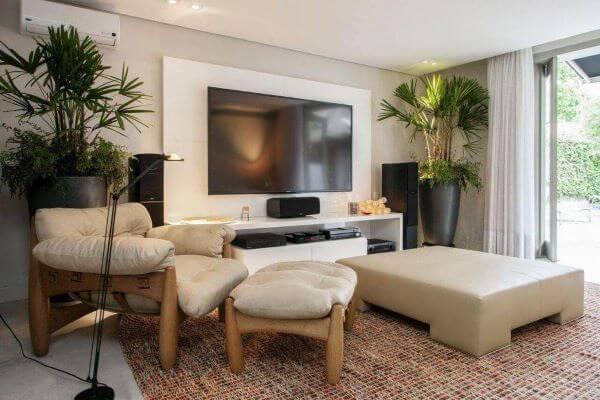 Rack para sala de estar e painel para TV