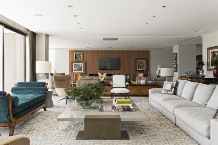 Sala de estar com recamier verde