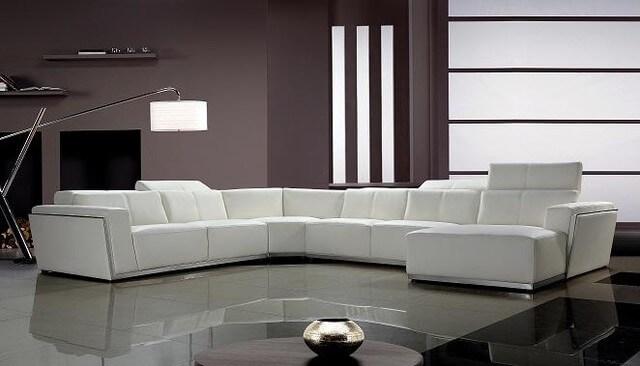 Sofá retátil branco de canto