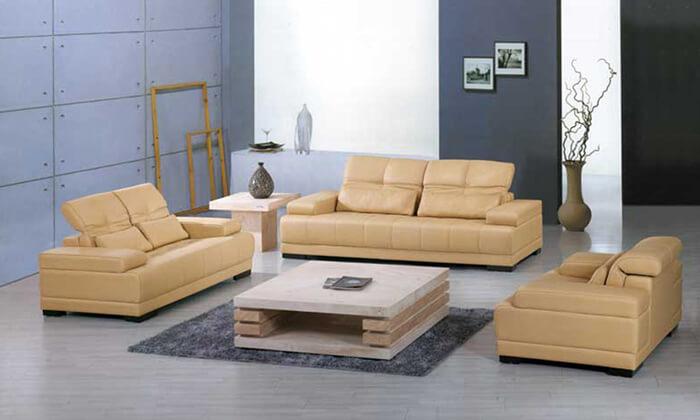 Sofá retrátil de couro amarelo