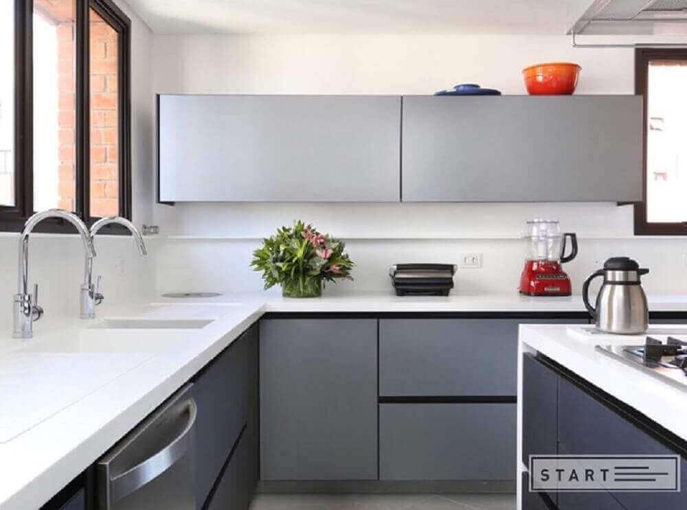 armário de cozinha de parede em cozinha pequena