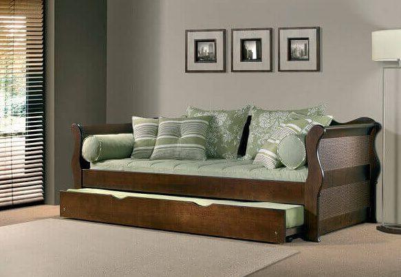 bicama feito de madeira
