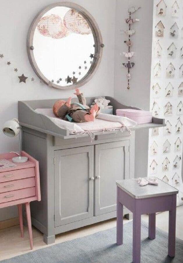 cômoda com trocador pequena e cinza