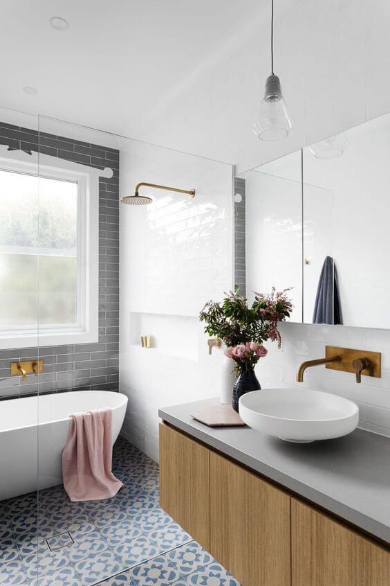Cerâmica para banheiro com banheira elegante