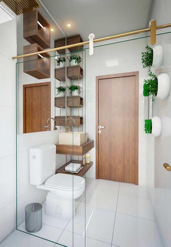 Cerâmica para banheiro com nichos de madeira