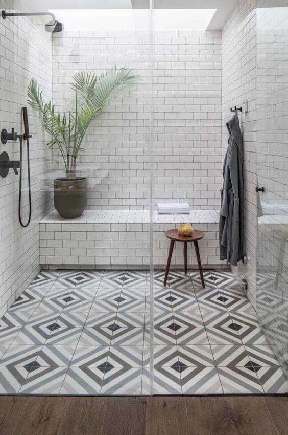 Cerâmica para banheiro neutro e criativo
